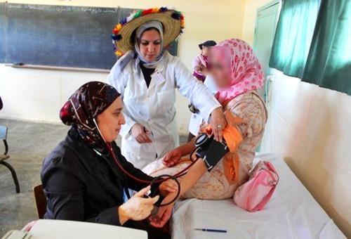 استفادة أزيد من 2000 شخص من حملة طبية مجانية بمنطقتي أزلا وأمسا بتطوان