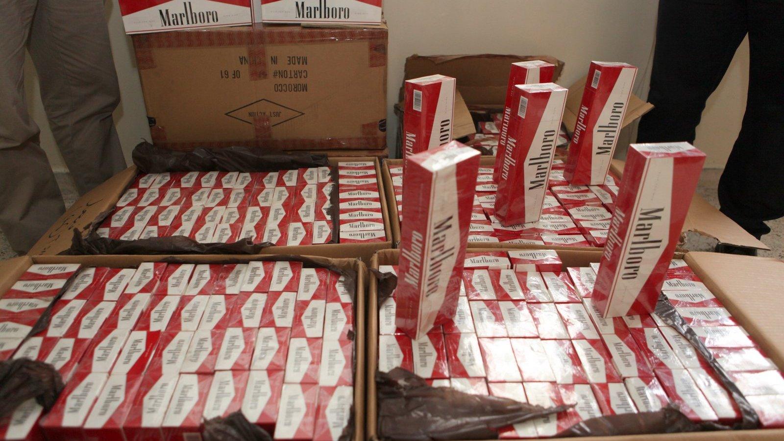 الداخلة: توقيف أشخاص يشتبه بتورطهم في تهريب كمية كبيرة من السجائر