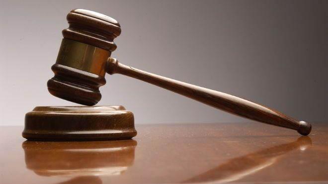 النيابة العامة تأمر باعتقال بتهمة تعنيف ابنته القاصر والاتجار بالبشر