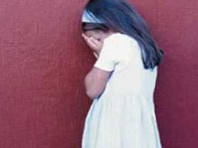 اعتقال 18 شخصا لتكرارهم اغتصاب طفلة