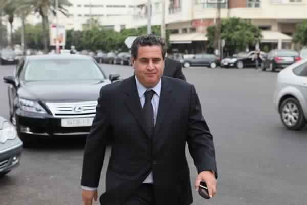 أخنوش في الطريق لرئاسة الأحرار وتعبيد الطريق نحو حكومة بنكيران الثانية
