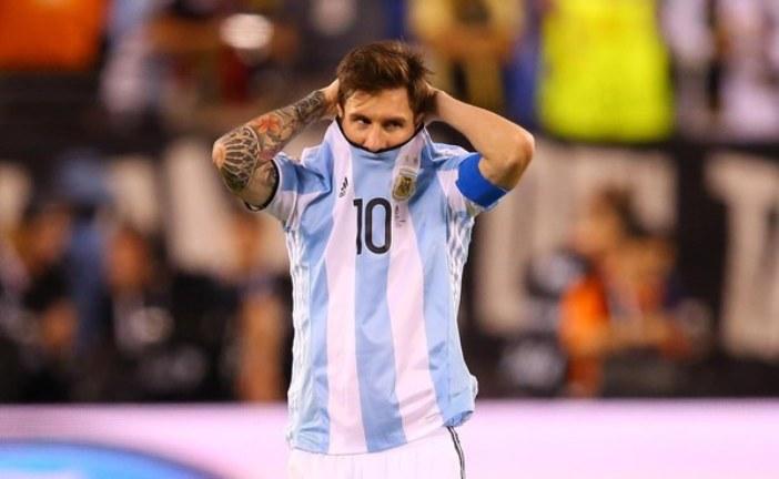مدرب الأرجنتين متفائل بتراجع ميسي عن الاعتزال