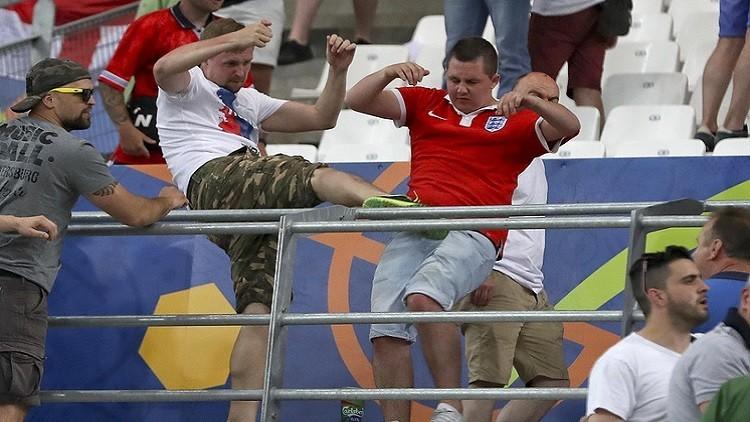 مثول 10 مشجعين أمام القضاء بعد أحداث شغب في مباراة بريطانيا وروسيا