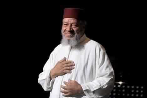 شاهد صورة نادرة لعبد الهادي بلخياط رفقة وحش الشاشة فريد شوقي