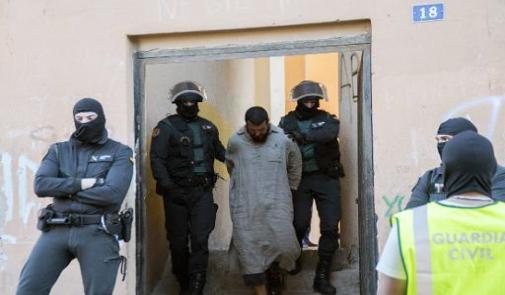 """إسبانيا… القبض على مغربيين يشتبه في تمويلهما لـ""""داعش"""""""
