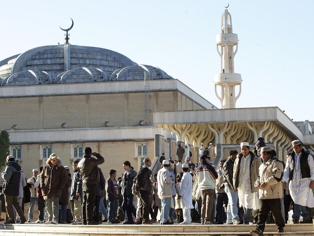 بناء المساجد في إيطاليا بين العبادة و الاسترزاق!