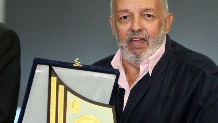 رحيل المخرج المصري الكبير محمد خان عن 73 عاما