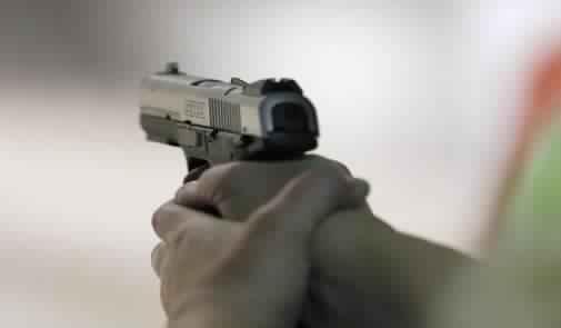إيقاف قاصر فرنسي وبحوزته مسدس وذخيرة بطنجة