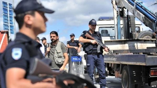 تركيا.. مداهمة هيئة الأبحاث العلمية واعتقال باحثين