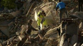 عشرات القتلى والمفقودين في زلزال عنيف ضرب وسط إيطاليا