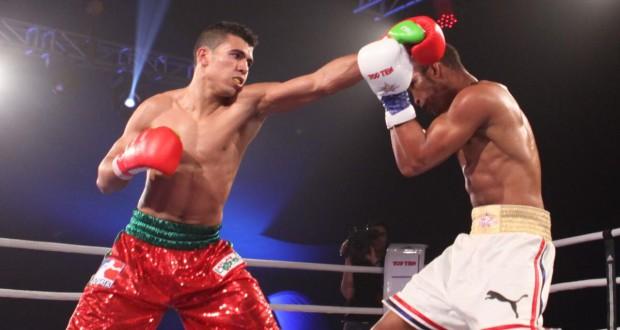 تأهل الملاكم محمد الربيعي لدور النصف بعد أداء قوي أمام خصم إيرلندي