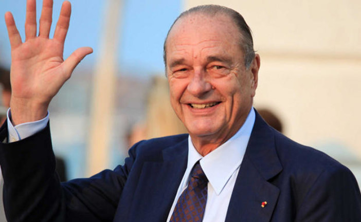 """نقل الرئيس الفرنسي الأسبق جاك شيراك للمستشفى إثر إصابته """"بالتهاب رئوي"""""""