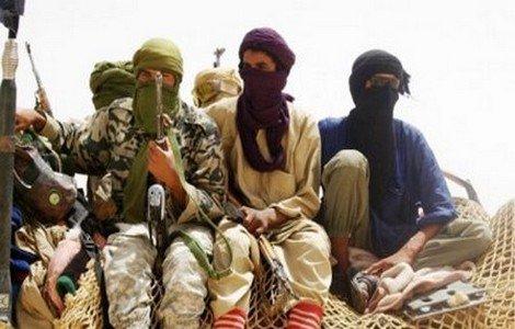 خبير: مخيمات تندوف باتت مأوى للمجموعات الإجرامية في شمال إفريقيا ومنطقة الساحل