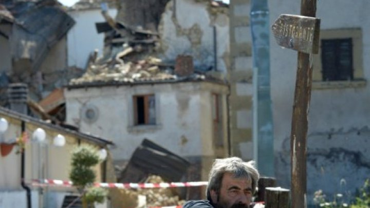"""بلدة إيطالية منكوبة تقاضي """"شارلي إيبدو"""" لرسمها كاريكاتورا عن ضحايا الزلزال"""