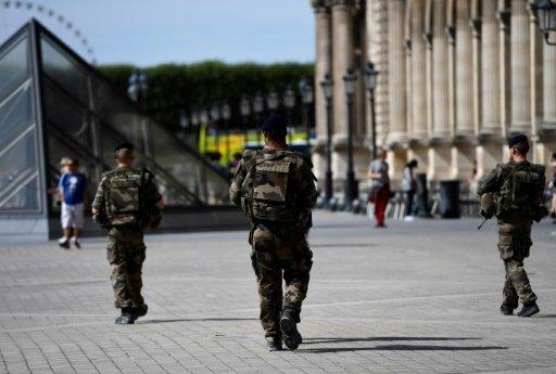توقيف قاصر في فرنسا في إطار مكافحة الإرهاب