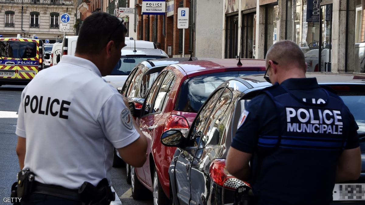 أنباء عن احتجاز رهائن في كنيسة وسط باريس