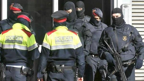 اعتقال 5 أشخاص بتهمة الدعاية لداعش بمدريد