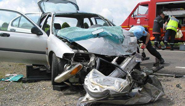 مصرع شخصين وإصابة ثلاثة آخرين بجروح في حادثة سير قرب بني ملال