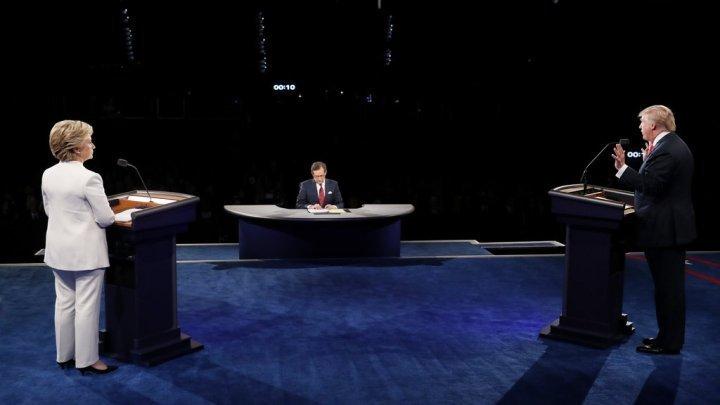 """اتهامات متبادلة من """"العيار الثقيل"""" بين كلينتون وترامب في المناظرة الأخيرة"""