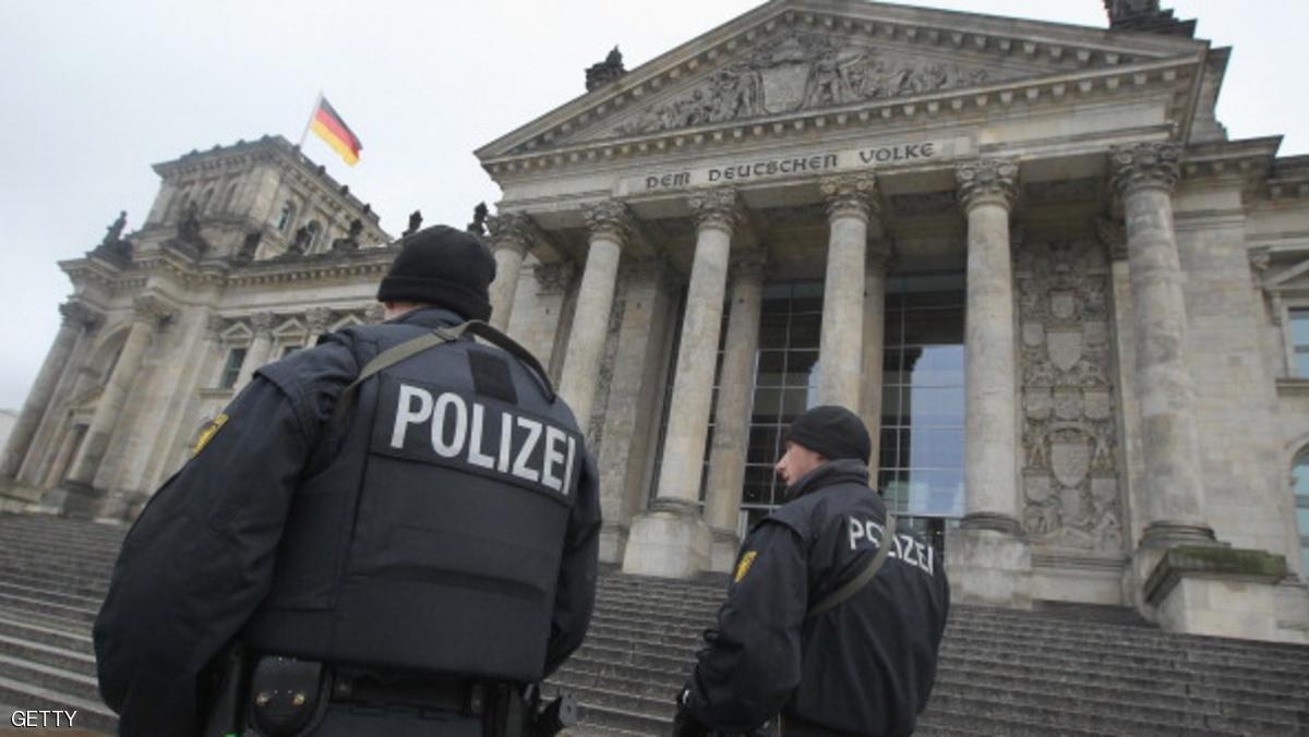 الشرطة الألمانية تحقق بوجود متطرفين في صفوفها