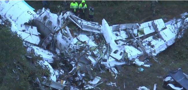 حصيلة جديدة: 71 قتيلا في تحطم طائرة كانت تقل فريقا برازيليا لكرة القدم