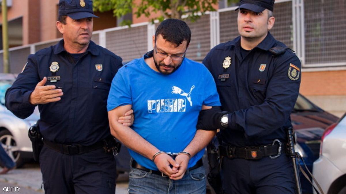 """إسبانيا تعتقل مغربيين يشتبه في صلتهما بـ""""داعش"""""""