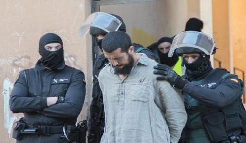"""إسبانيا .. توقيف مغربيين يشتبه في انتمائهما لتنظيم """"داعش"""""""