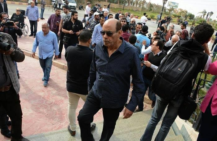"""تشييع جثمان """"الساحر"""" محمود عبد العزيز + (صور)"""