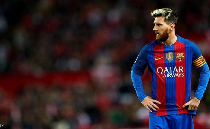 ميسي يطلب رقما فلكيا للبقاء مع برشلونة