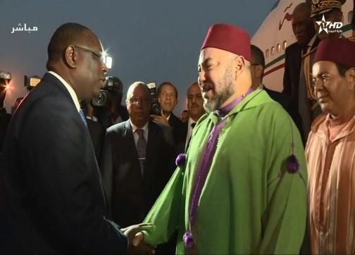 الملك يغادر السنغال عائدا لأرض الوطن
