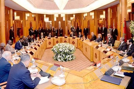 الملك يترأس بالبيضاء جلسة عمل خاصة بخط أنابيب الغاز بين نيجيريا والمغرب