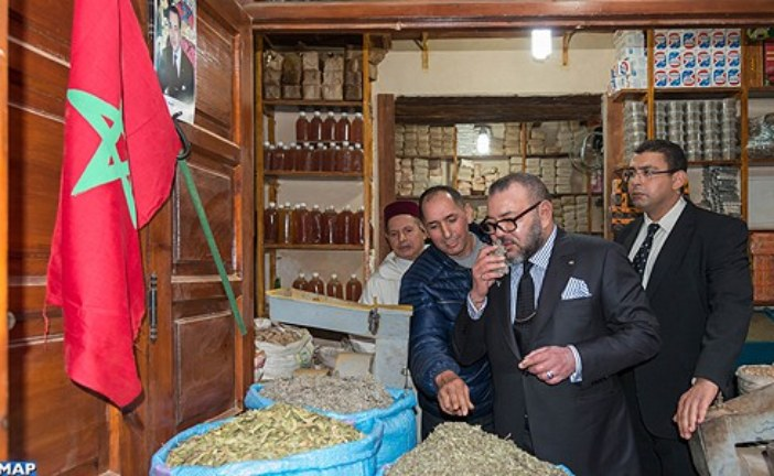 الملك يزور عددا من المواقع التاريخية التي خضعت للترميم بالمدينة العتيقة بمراكش