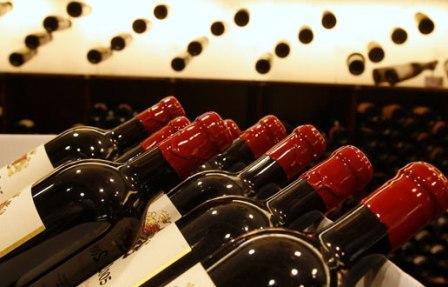 حكومة العثماني تتوقع جني مليارات من استهلاك الخمور