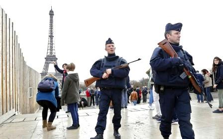 فرنسا تضع خطوطا عريضة لقوانين مكافحة الإرهاب بالبلد