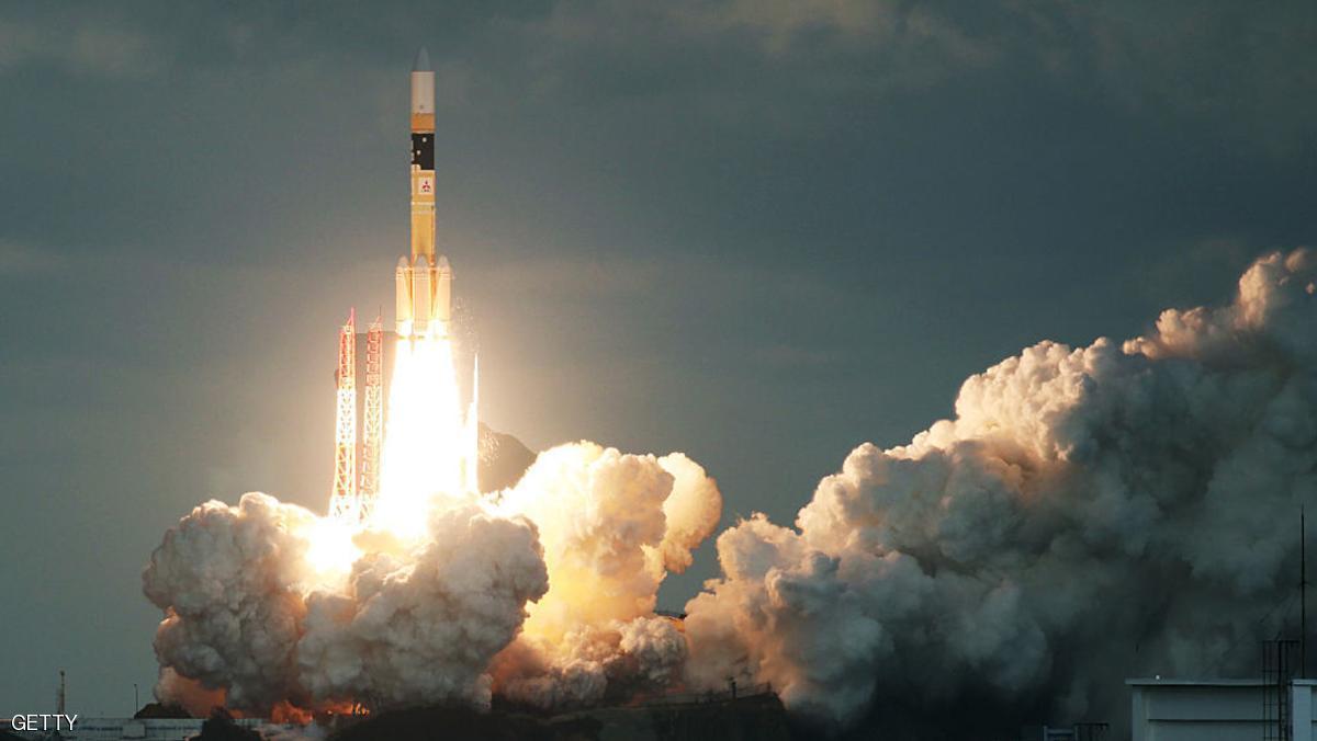 اليابان تطلق أول قمر صناعي عسكري