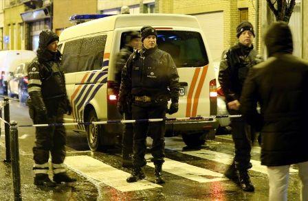 الشرطة تحتجز 3 أشخاص بعد مداهمات لمكافحة الإرهاب في بروكسيل