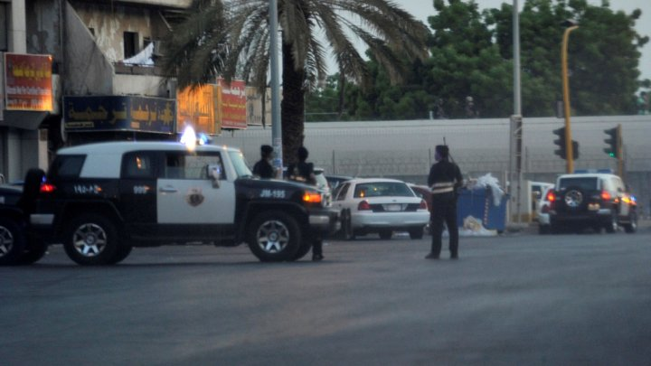 انتحاريان فجرا نفسيهما خلال مداهمات للشرطة بالسعودية