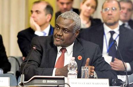 """وزير خارجية تشاد موسى فقيه رئيس جديد لمفوضية الاتحاد الإفريقي خلفا لـ""""زوما"""""""