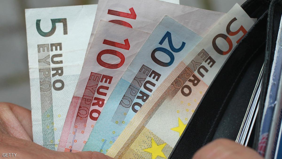 تعليمات صارمة لتشديد المراقبة على تهريب العملة الصعبة