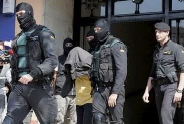 """إسبانيا .. اعتقال شخصين على صلة بـ""""داعش"""" بتعاون مع المغرب"""