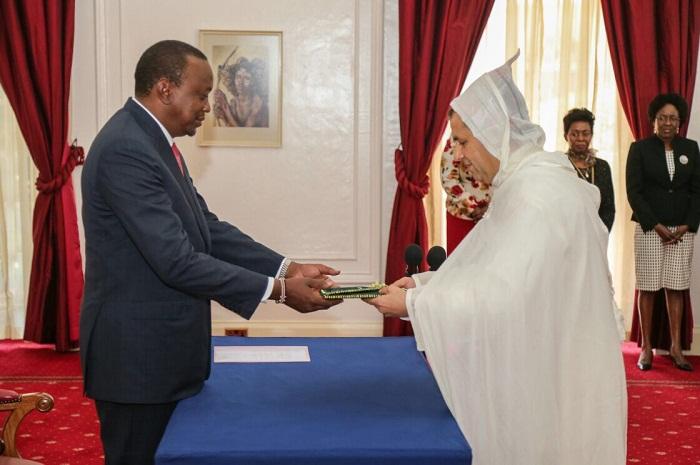 المختار غامبو يقدم أوراق اعتماده كسفير فوق العادة للمغرب لدى كينيا