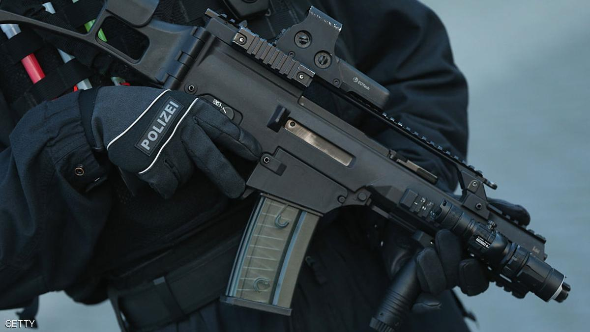 ألمانيا تعتقل ثلاثة للاشتباه في صلتهم بتنظيم داعش
