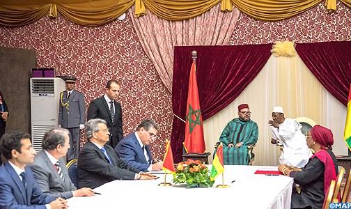 الملك ورئيس جمهورية غينيا يترأسان مراسم التوقيع على 8 اتفاقيات للتعاون الثنائي