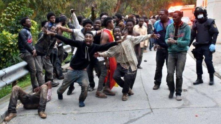 850 مهاجرا يقتحمون الحدود الإسبانية المغربية في سبتة في أقل من أربعة أيام