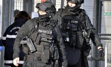 القضاء الفرنسي يوجه تهمة الإرهاب لأربعة أشخاص من عائلة واحدة