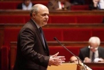 استقالة وزير الداخلية الفرنسي على خلفية تحقيق قضائي بخصوص توظيف ابنتيه