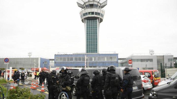 مقتل رجل حاول تجريد جندي من سلاحه في مطار أورلي بباريس