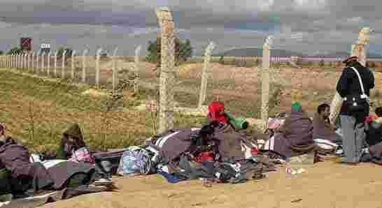 المغرب ينذر سفير الجزائر بالرباط بخصوص وضعية النازحين السوريين