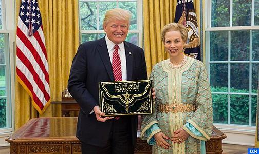 الرئيس دونالد ترامب يستقبل السفيرة الجديدة للمغرب بالولايات المتحدة الشريفة للا جمالة