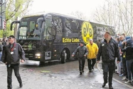 تأجيل مباراة دورتموند وموناكو بعد انفجارات استهدفت حافلة النادي الألماني